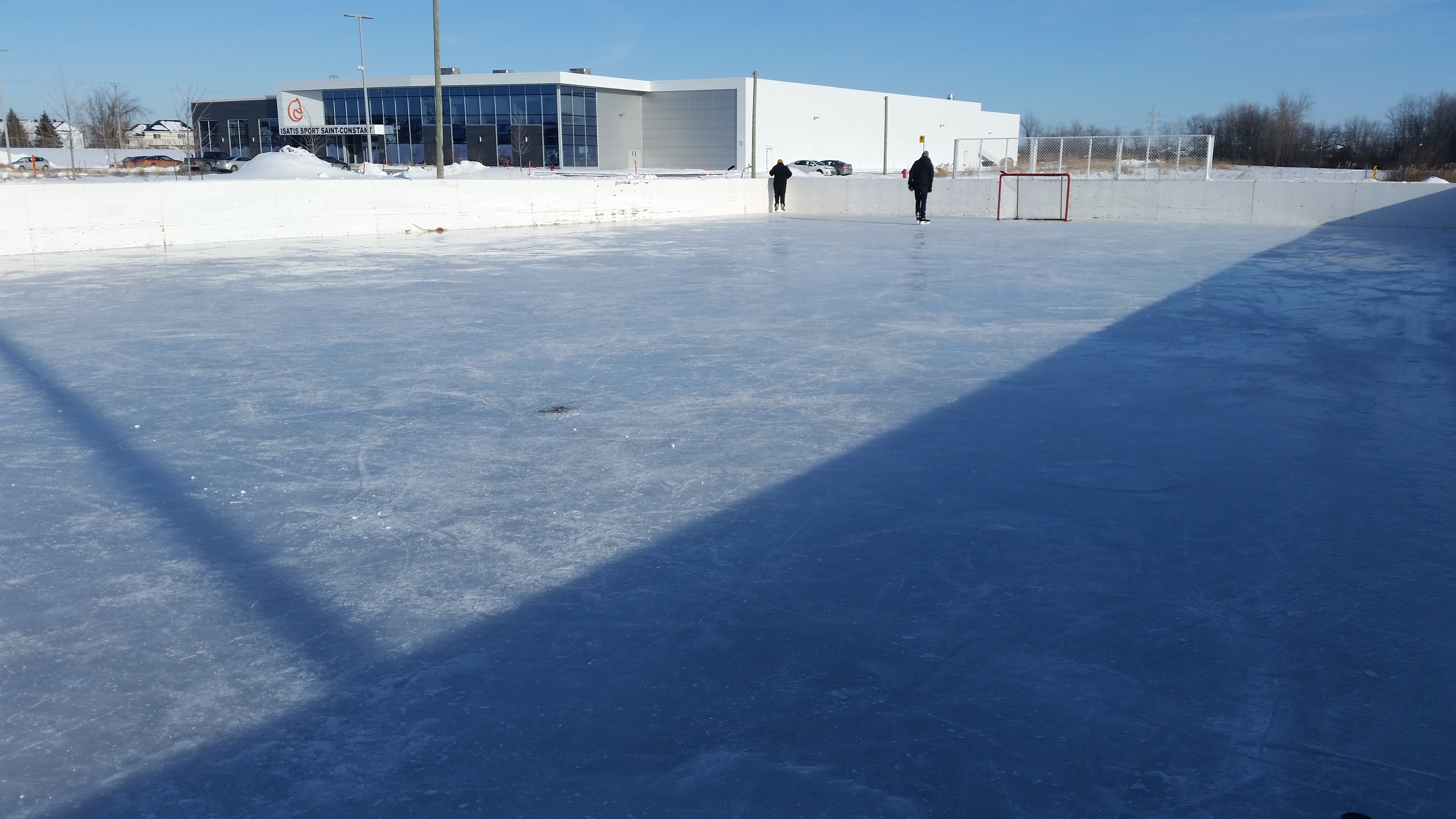 Ville de saint constant installations r cr atives for Patinoir exterieur